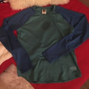 North face long sleeve top